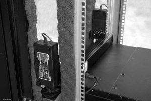 VIST AcoustiRACK. Блоки питания нижнего модуля вентиляции с системой активного шумогашения Silentium ActiveSilencer Fan Tray (ASFT).