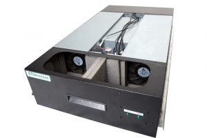 VIST AcoustiRACK. Нижний модуль вентиляции и шумогашения Silentium ActiveSilencer Fan Tray (ASFT) со снятой крышкой.